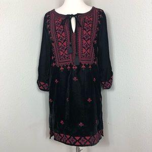 Tolani Velvet Embroiderd Tunic Black